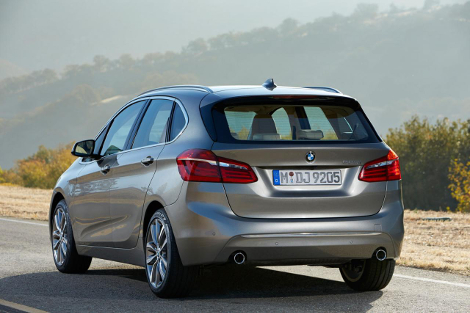 Компактвэн BMW 2-Series Active Tourer дебютирует в Женеве. Фото 5