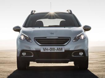 """Кроссовер Peugeot 2008 станет """"воздушным"""" гибридом"""