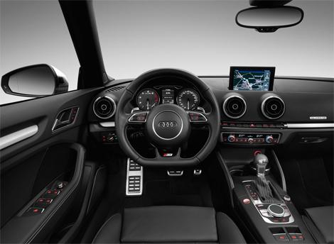 Открытая версия Audi S3 получила 300-сильный турбомотор. Фото 3