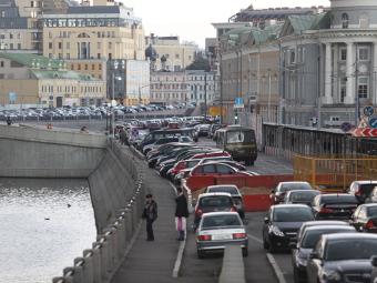 Неэкологичным машинам запретят въезд в Москву в 2014 году
