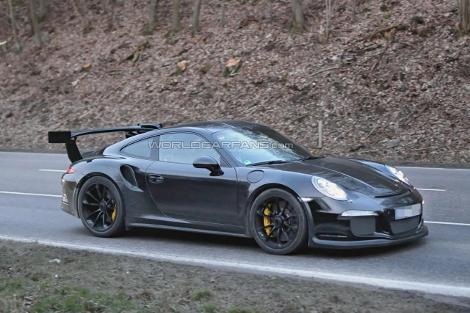 Компания Porsche начала дорожные испытания модели 911 GT3 RS