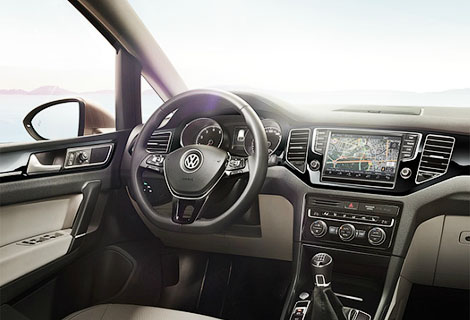 Производитель опубликовал фотографии модели Golf Sportsvan. Фото 2