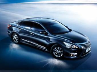 Новый седан Nissan Teana доберется до России в марте