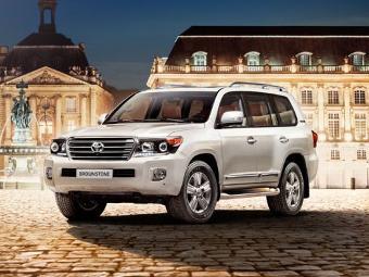 """""""Тойота"""" привезла в Россию """"каменный"""" Land Cruiser"""
