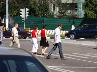 Пешеходные переходы в Подмосковье оснастят светодиодными табло