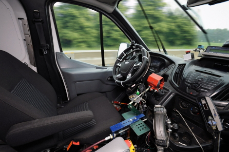 Ресурсные испытания Ford Transit стали проводить при помощи автопилота