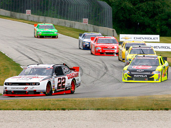 Жак Вильнев вернется в высший дивизион NASCAR