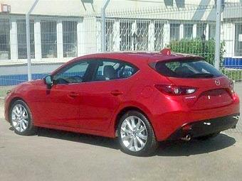 Новый хэтчбек Mazda3 сфотографировали без камуфляжа