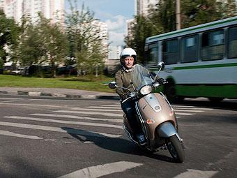 Госдума отказалась запрещать скутеры