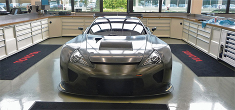 Суперкар подготовлен для выступления в гонках на выносливость. Фото 1