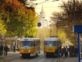Московские трамваи будут предупреждать автомобилистов об остановке