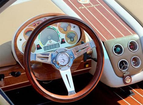 Купе Rascasse оснастили мотором от Rolls-Royce 15-летней давности. Фото 3