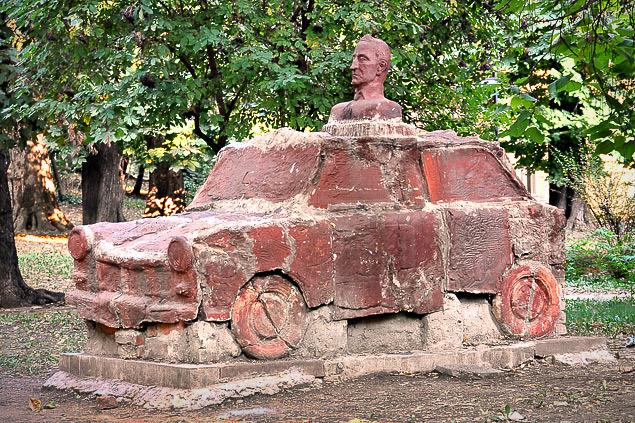 Какую память оставил после себя самый массовый автомобиль ГДР. Фото 6
