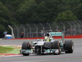 Нико Росберг выиграл хаотичный Гран-при Великобритании