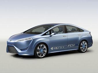 Toyota покажет серийный водородный седан в конце осени