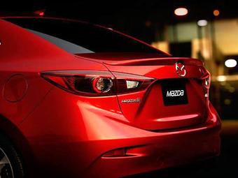 В Сеть попала фотография нового седана Mazda3