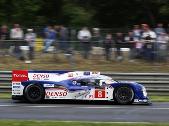 Toyota сократит количество машин в гонках на выносливость
