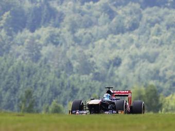 McLaren и Toro Rosso выбрали пилотов для молодежных тестов