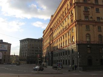 Москвичи попросят госучреждения поделиться парковками