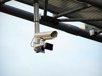 Водителям в Москве разрешат скачивать записи дорожных камер