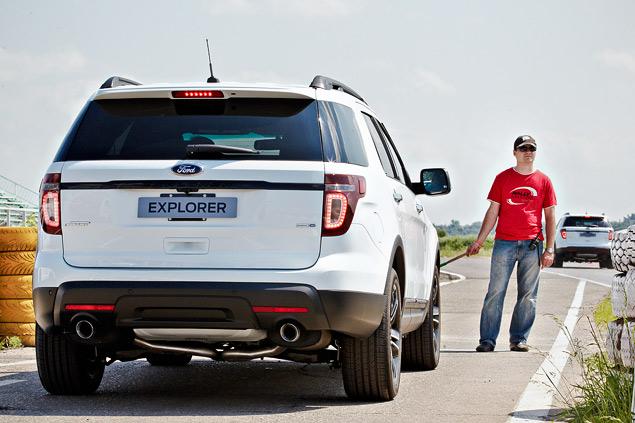 Мини-тест: 360-сильный вседорожник Ford Explorer Sport. Фото 2
