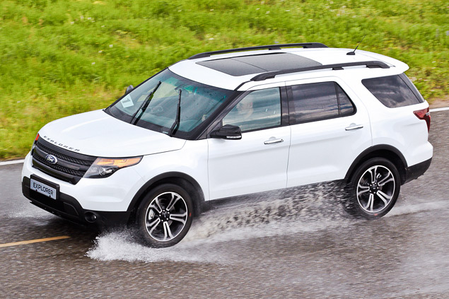 Мини-тест: 360-сильный вседорожник Ford Explorer Sport. Фото 5