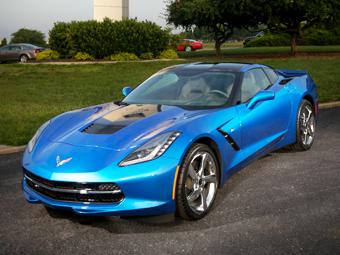 """В Chevrolet назвали """"Корвет"""" самым экономичным суперкаром"""