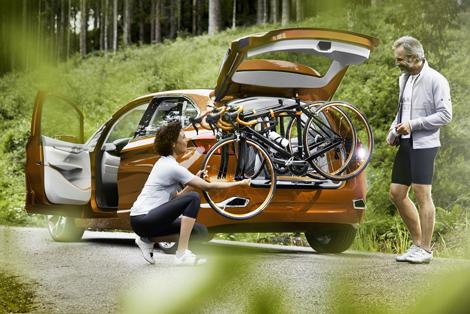Хэтчбек Active Tourer Outdoor получил специальное крепление для велосипедов. Фото 4