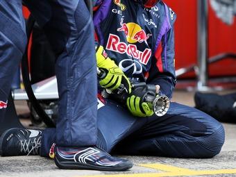 Команда Red Bull изменит гайковерты ради безопасности пит-стопов