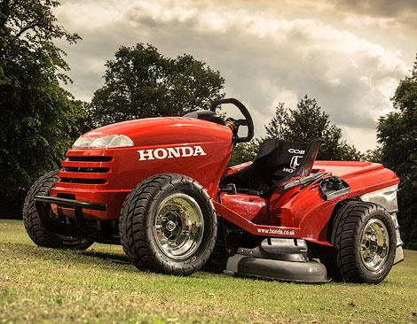 Компания Honda построила газонокосилку cо 110-сильным мотором от спортбайка