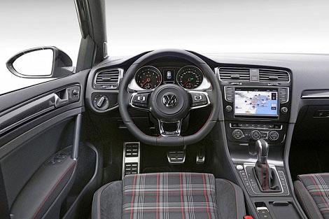 """""""Седьмой"""" хот-хэтч Golf GTI подорожал на 157 тысяч рублей. Фото 1"""