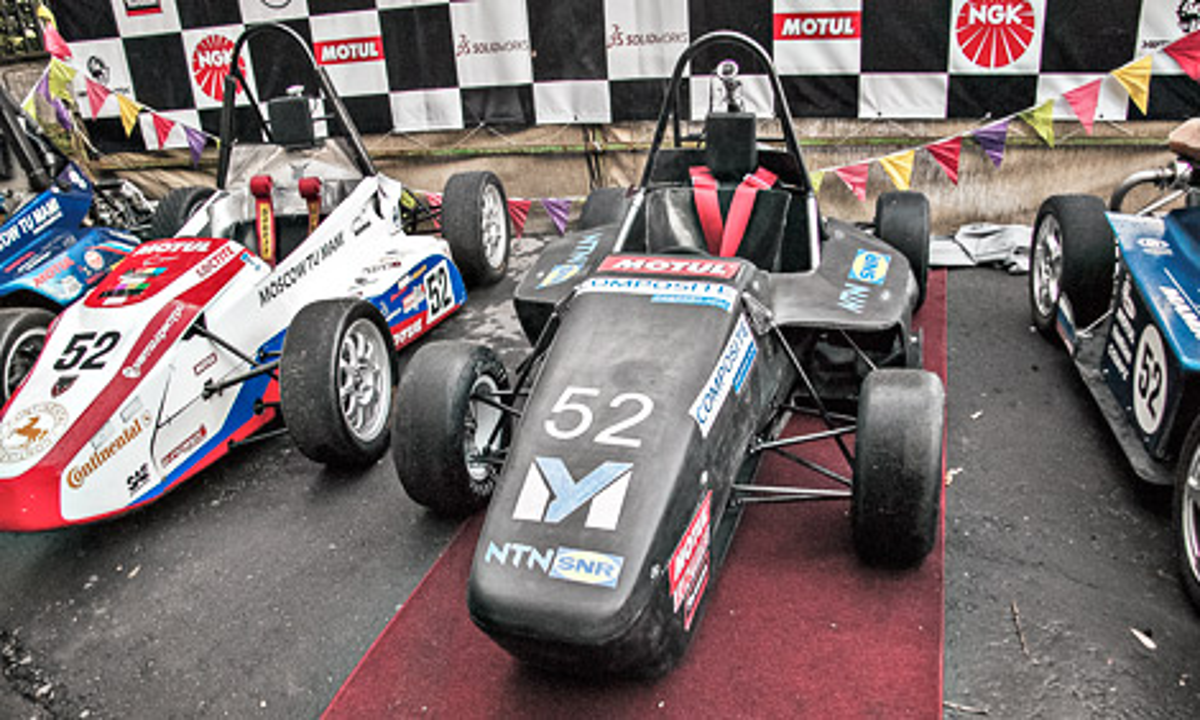 Гоночный автомобиль примет участие в соревнованиях Формулы-Студент