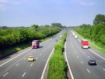 Максимальную скорость разрешат увеличить на нескольких магистралях