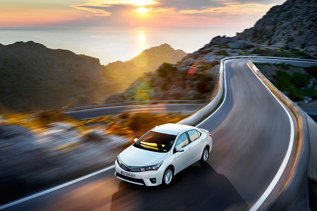 Выясняем, способна ли новая Toyota Corolla усидеть на двух стульях. Фото 6