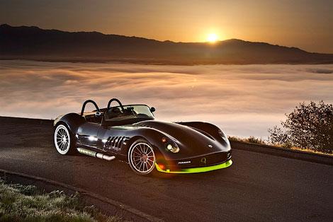 Мелкосерийный производитель Lucra показал изображения нового спорткара. Фото 1