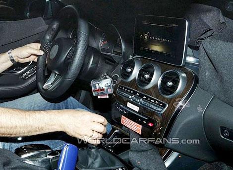 Центральная консоль модели будет выполнена в стиле нового S-Class