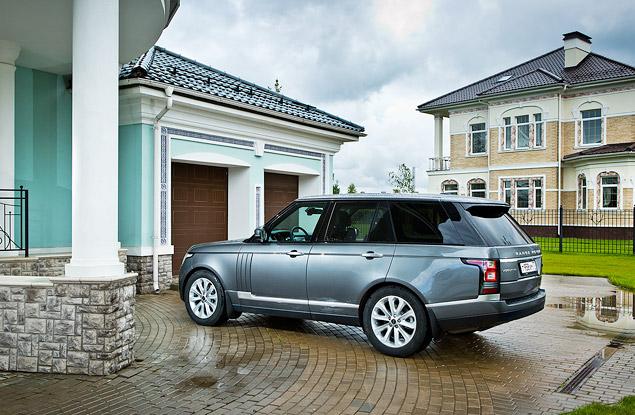 Сможет ли новый Range Rover  в одиночку заменить представительский седан и вездеход. Фото 1