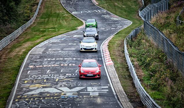 """Восемь кругов по """"Северной петле"""" Нюрбургринга за рулем спортивных моделей Opel OPC. Фото 1"""