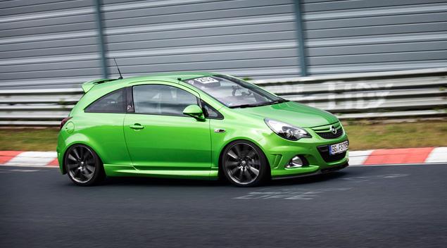 """Восемь кругов по """"Северной петле"""" Нюрбургринга за рулем спортивных моделей Opel OPC. Фото 5"""
