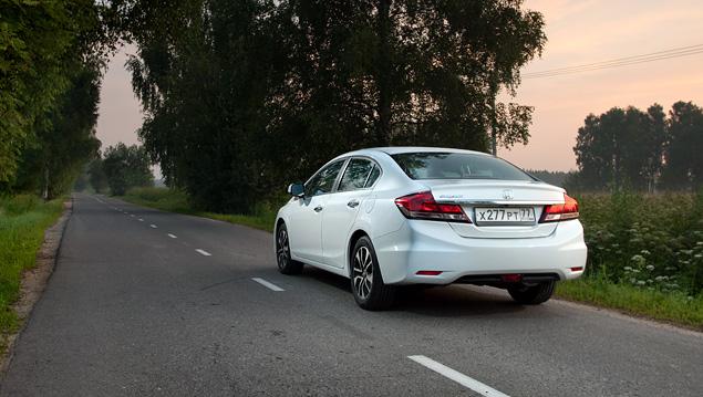 Зачем седану Honda Civic потребовался спешный рестайлинг. Фото 14