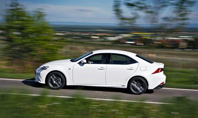 Почему новый Lexus IS не сможет переманить покупателей у немецких конкурентов. Фото 7