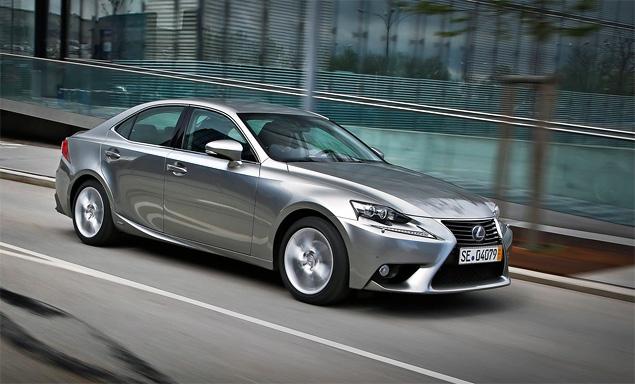 Почему новый Lexus IS не сможет переманить покупателей у немецких конкурентов. Фото 10