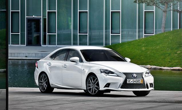 Почему новый Lexus IS не сможет переманить покупателей у немецких конкурентов. Фото 11