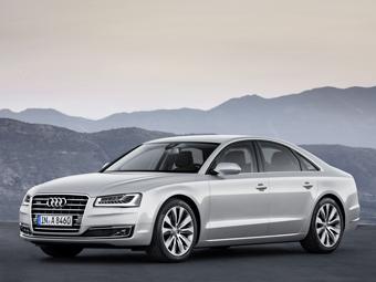 Седан Audi A8 обновился и стал мощнее