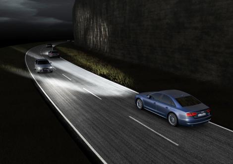 Двум бензиновым и дизельным моторам обновленного A8 прибавили мощности. Фото 4