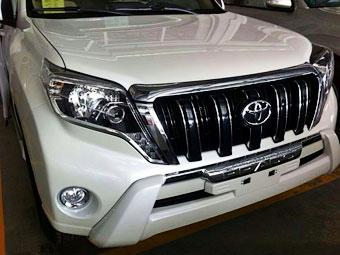 Появились фотографии обновленного Toyota Land Cruiser Prado