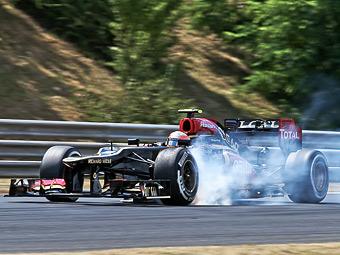 Команда Формулы-1 Lotus отложила дебют удлиненного болида