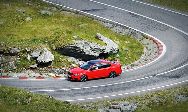 Тест-драйв «заряженного» семейства Skoda Octavia RS. Фото 5