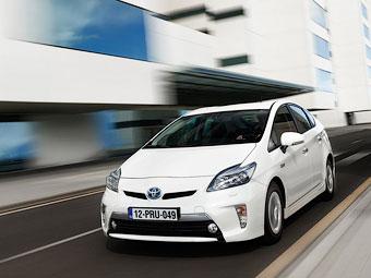 Следующий Toyota Prius оснастят беспроводной зарядкой