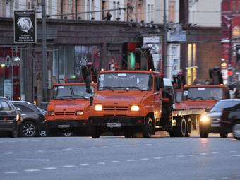 Депутаты предложили ввести особые штрафы для неправильно припаркованных эвакуаторов